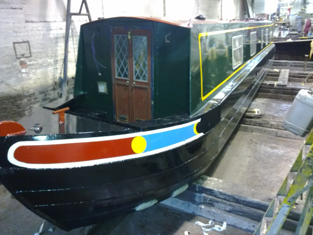 Bates Boatyard, Bulbourne Dry Dock - Narrowboat Painting and